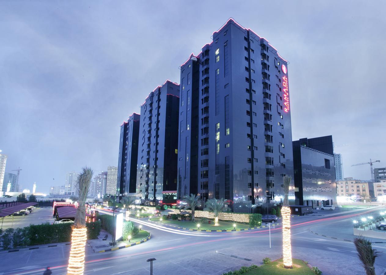 Фото Ramada Hotel & Suites Ajman 4*