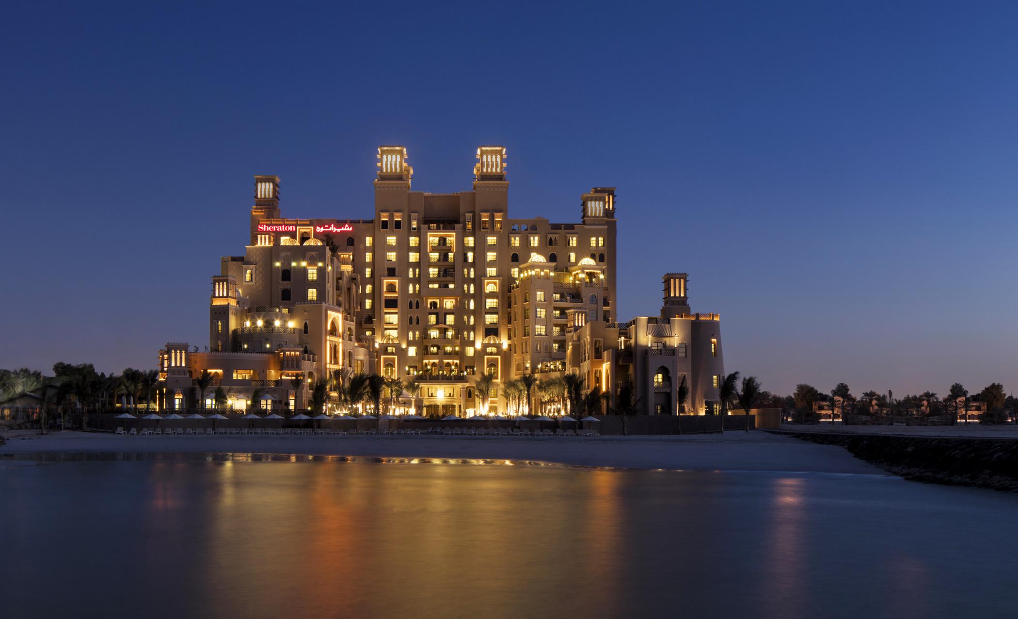 Фото Sheraton Sharjah Beach Resort & Spa 5*