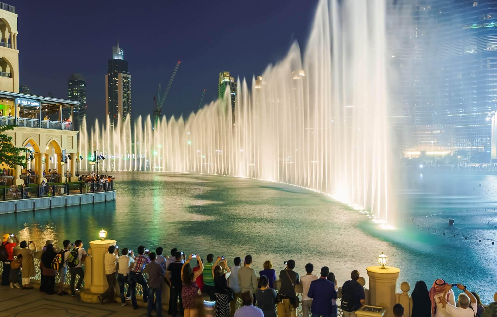 Фото красивого фонтана