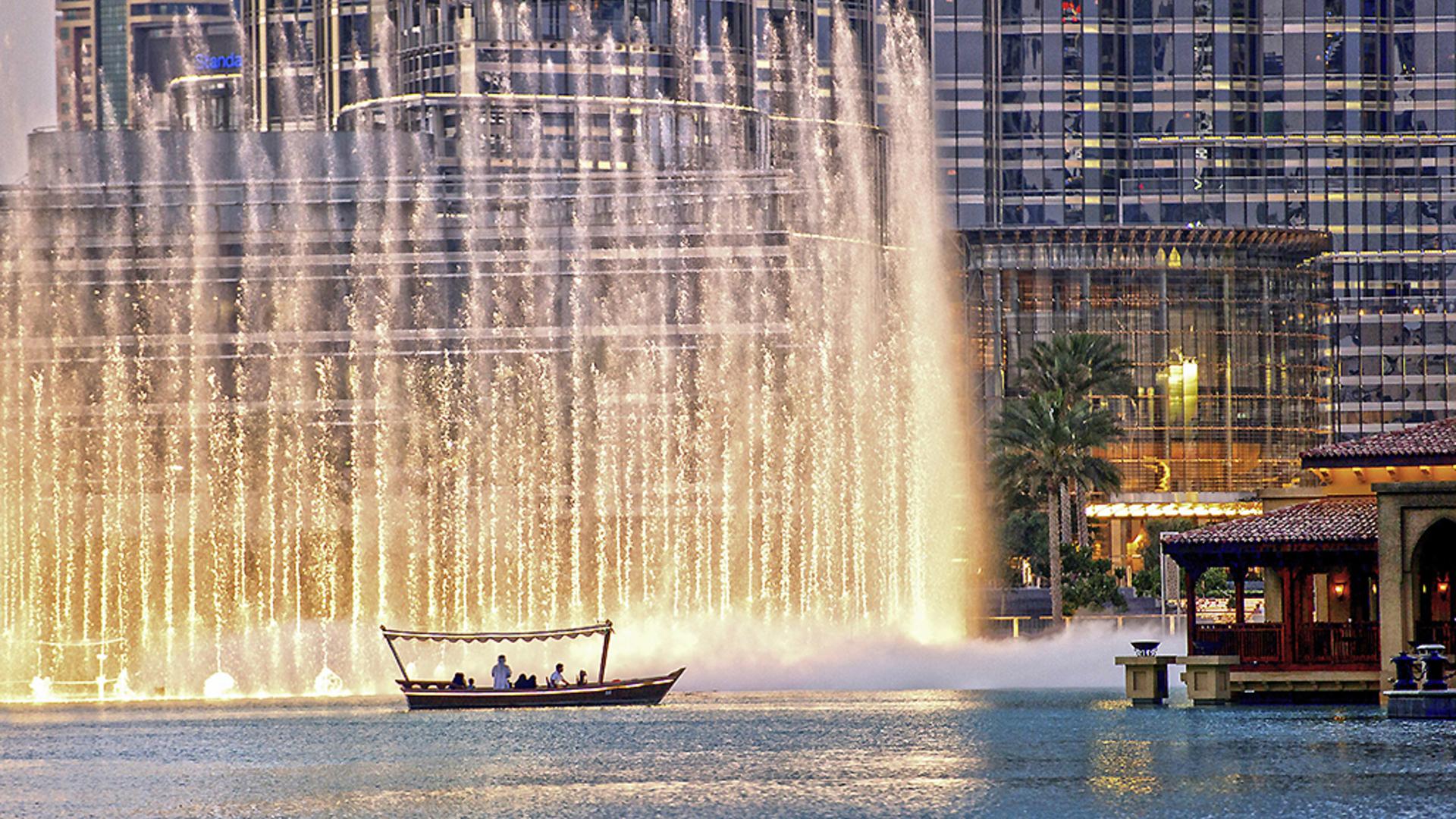 Фото фонтана в Дубае