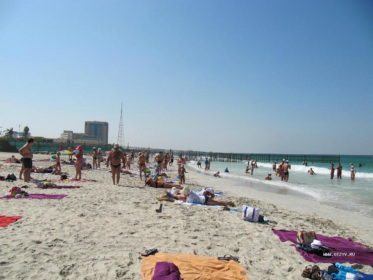 Пляж в отеле Al Seef Hotel