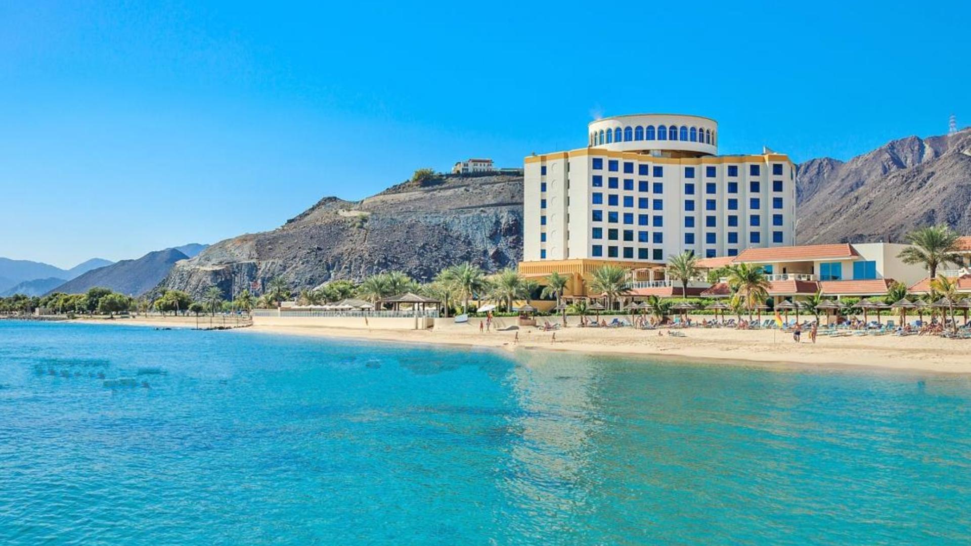 Пляж в Oceanic Khorfakkan Resort SPA