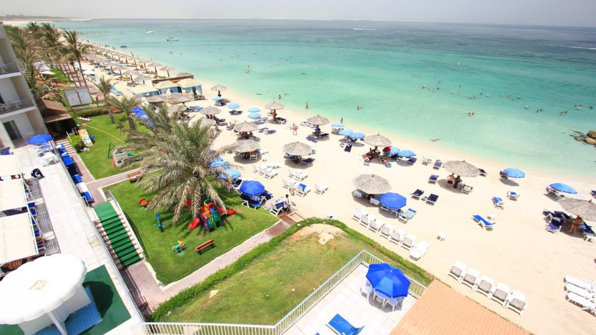 Вид на отель 3* Beach Hotel Sharjah
