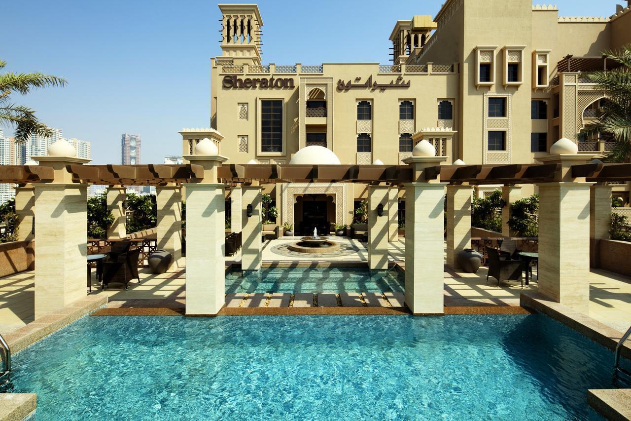 На фото отель 5* Sheraton Sharijah Beach Resort and Spa