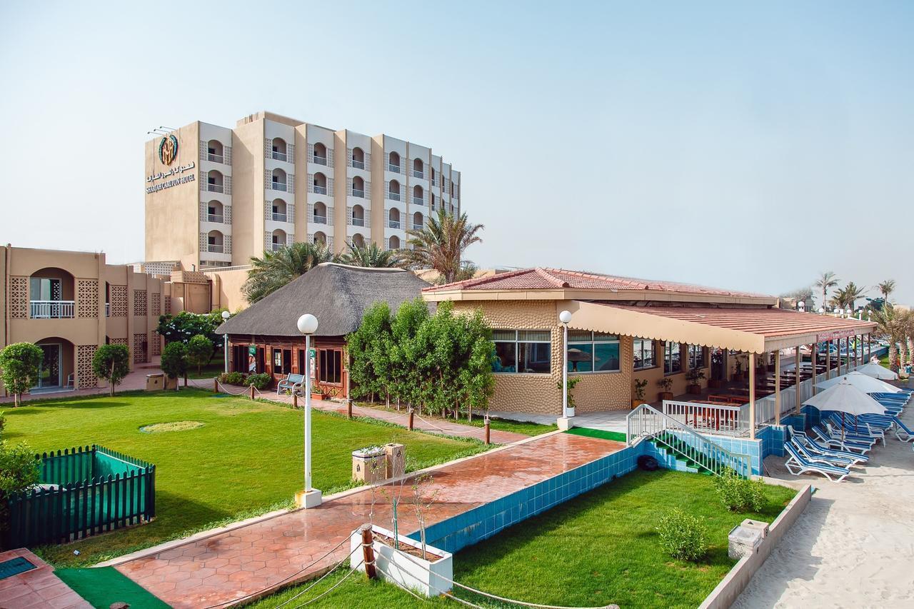 Отель Carlton Sharjah
