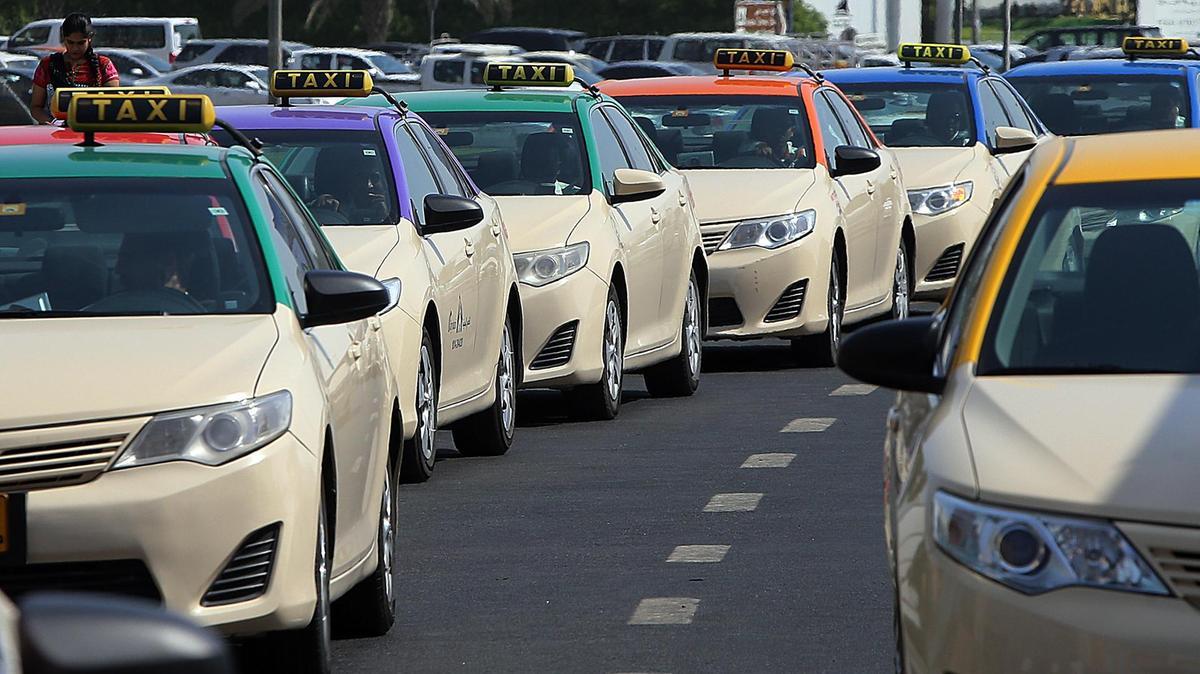 Фотография такси в ОАЭ