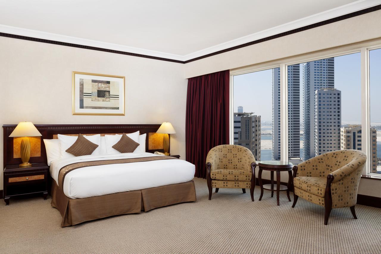 Номер отеля 5* Corniche Hotel Sharjah