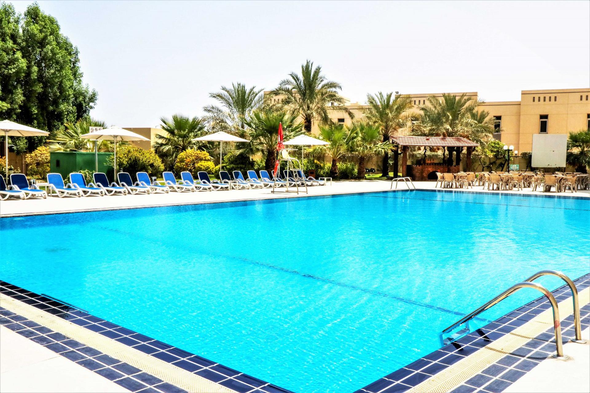 Фото бассейна в Acacia by Bin Majid