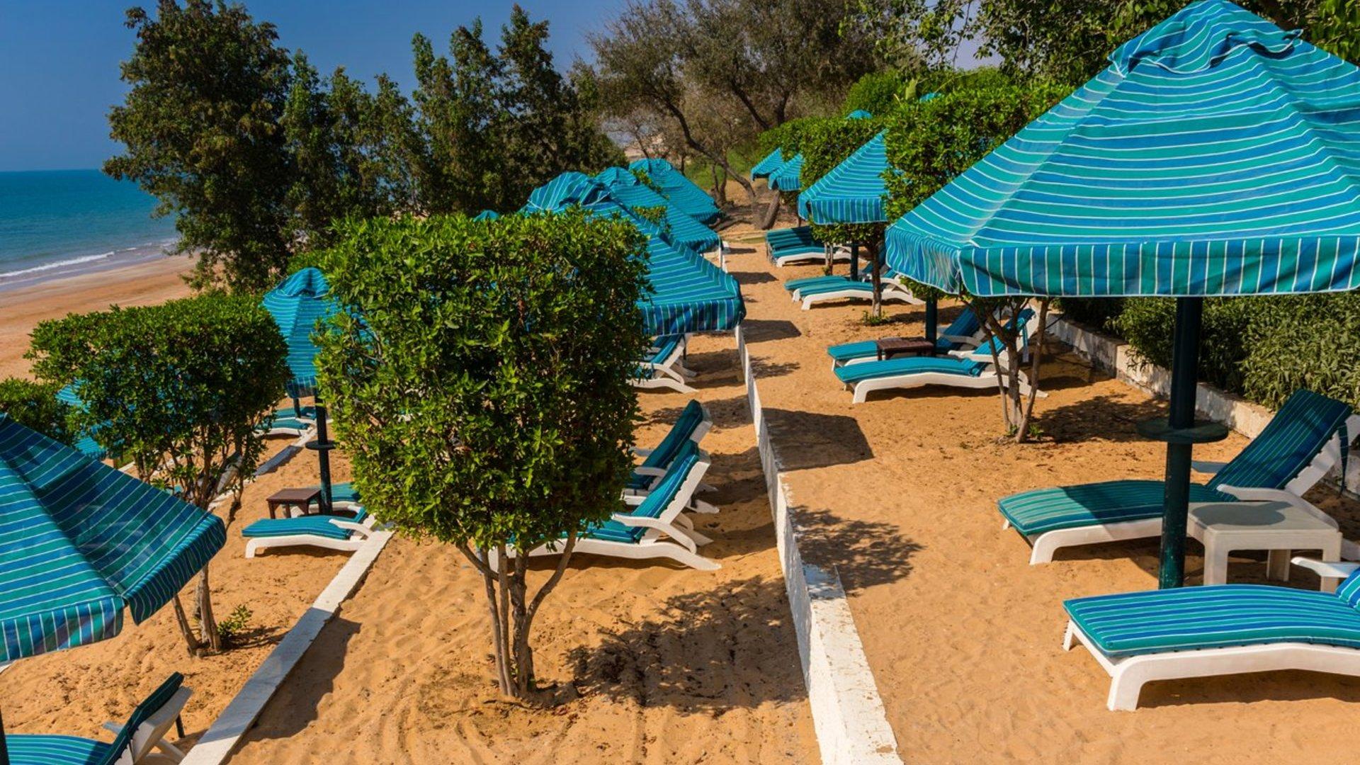 Фото пляжа в Acacia by Bin Majid