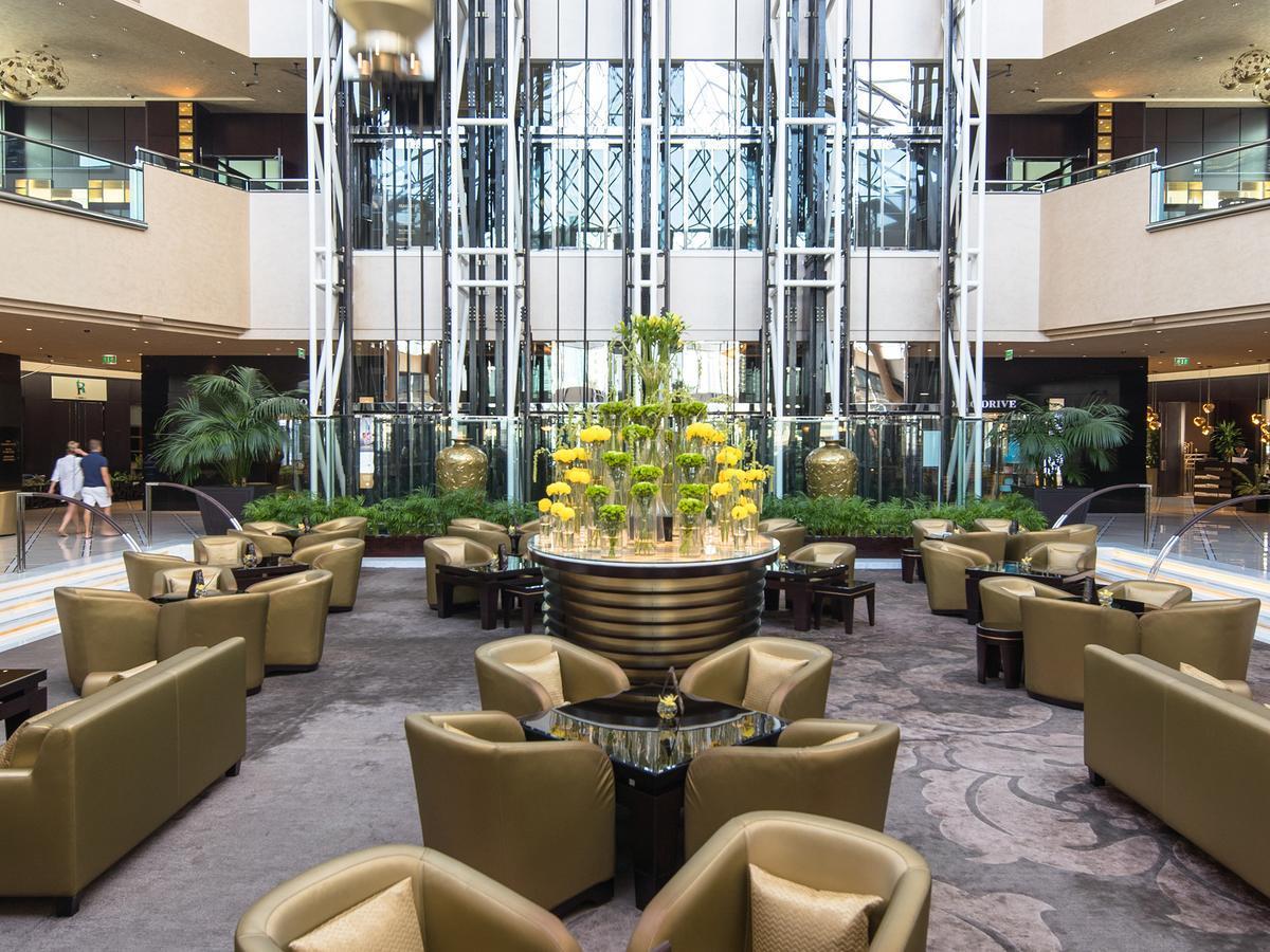 Фото Jumeirah Emirates Towers