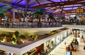 Фото торгового центра в Шардже