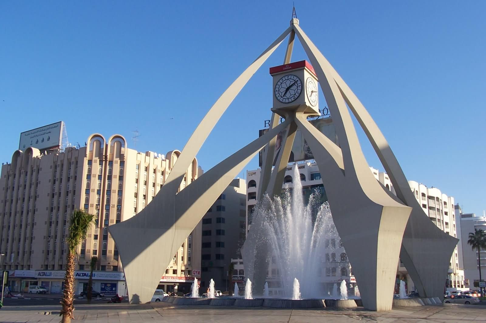 Фото часовой башни