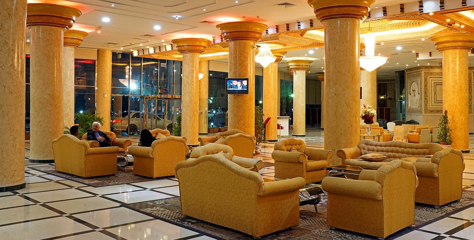 Фото отеля Crown Palace Hotel